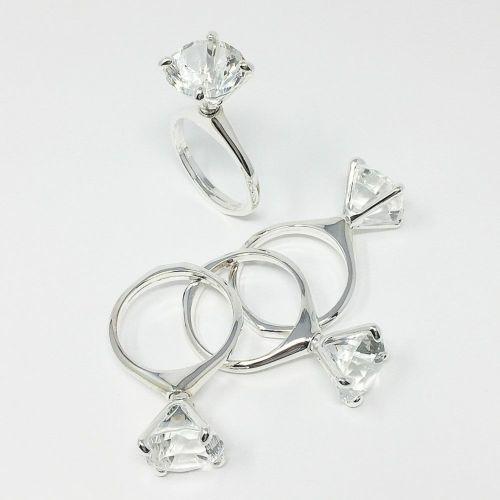 ダイヤモンド指輪型ナプキンリング